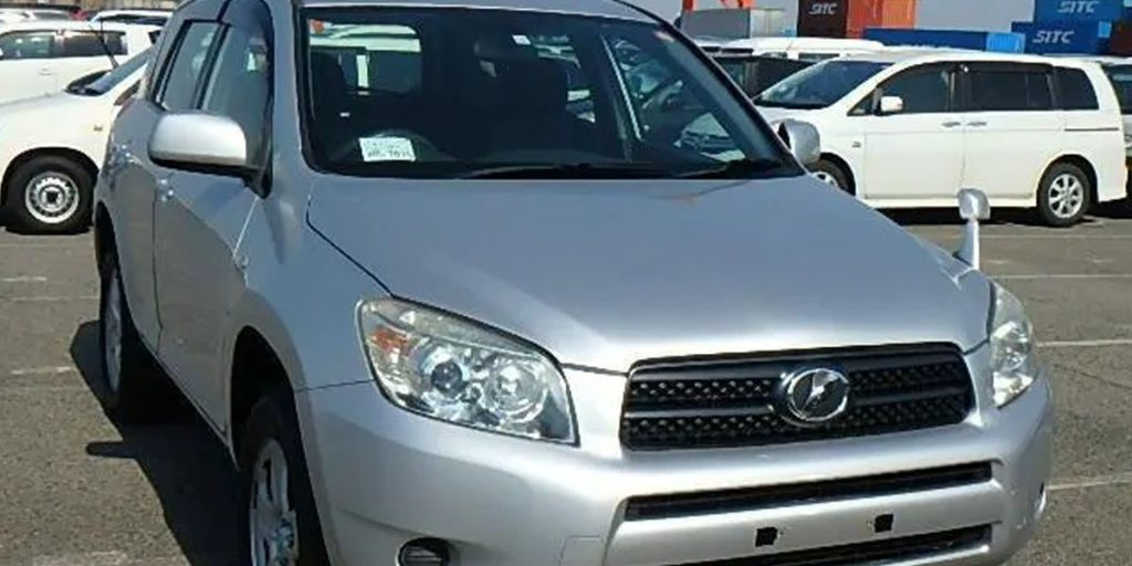 Silver Toyota RAV4 as safe japanese used car